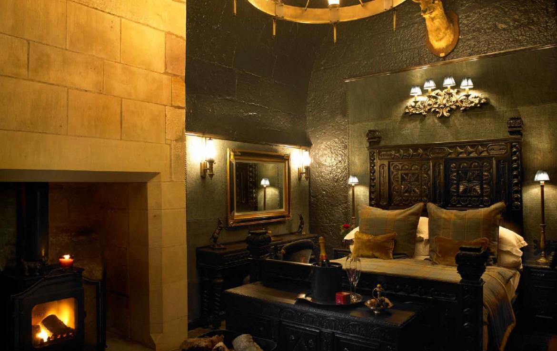 borthwick castel private bedroom