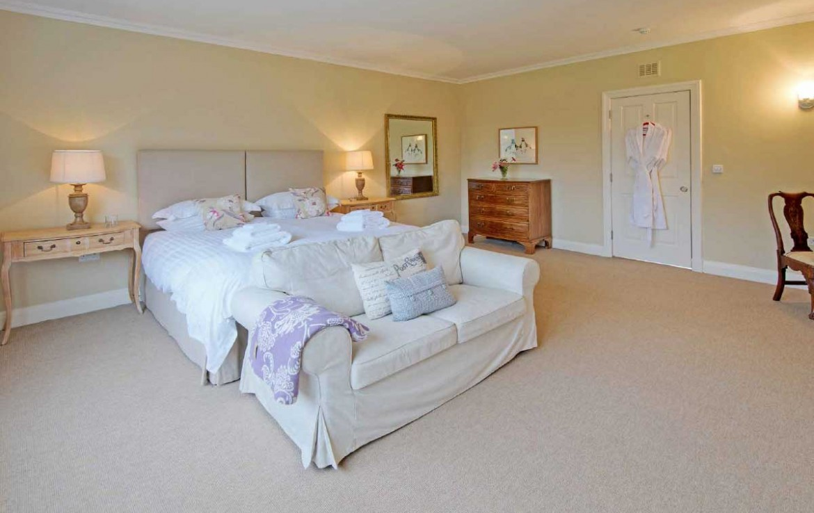 Dunglass Double bed with couch in the Country House Estate