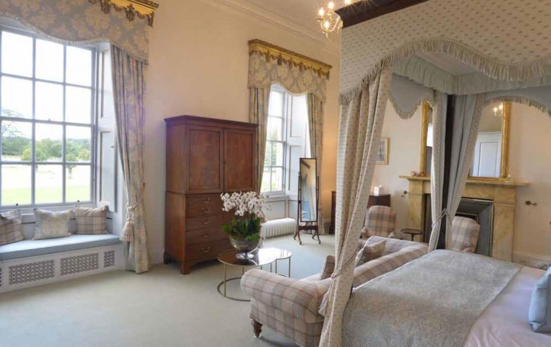 Private bedroom in Gilmerton Stately House Scotland