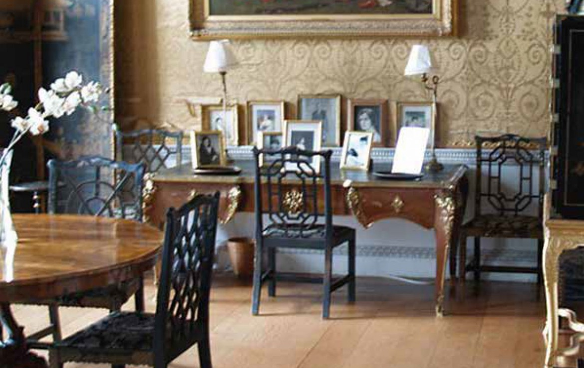 dining room in manderston stately home